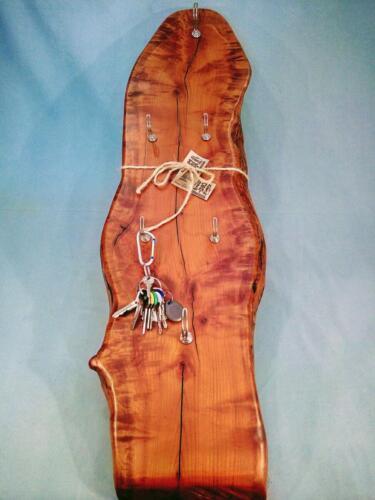 A11,dřevěná dekorační klíčenka, staré opracované dřevo, d - 28 cm, v - 95 cm, 650 Kč