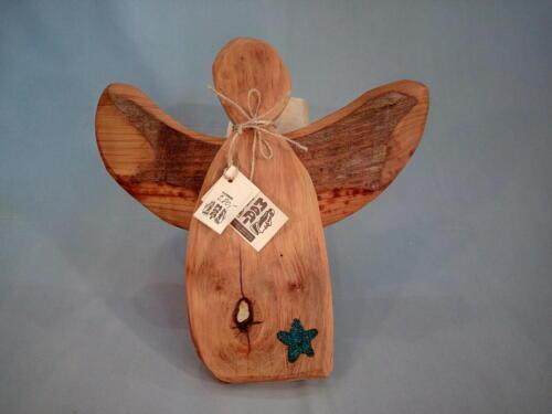 A6, malý andílek, staré opracované dřevo, hvězdička je vyplněná perličkami, d -34 cm, v - 32 cm, - 280 Kč