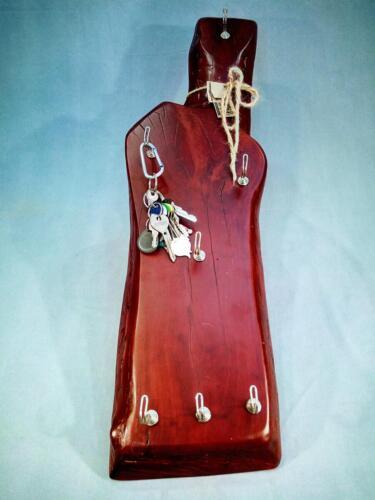 A9, dřevěná dekorační klíčenka, mořená - červená, d -21 cm, v - 75 cm -  650 Kč
