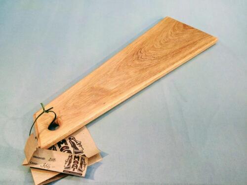 P26, dubové designové prkénko, d- 59 cm, š - 17 cm, v- 1,5 cm - 350 Kč
