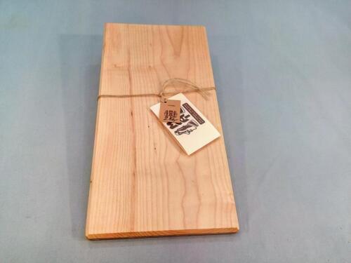 P31, jasanové praktické prkénko, d- 40 cm, š - 20 cm, v - 1,5 cm - 250 Kč